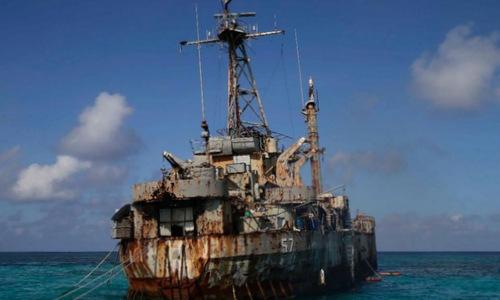 Tàu BRP Sierra Madre đang mắc cạn tại bãi Cỏ Mây. Ảnh: Fox News.