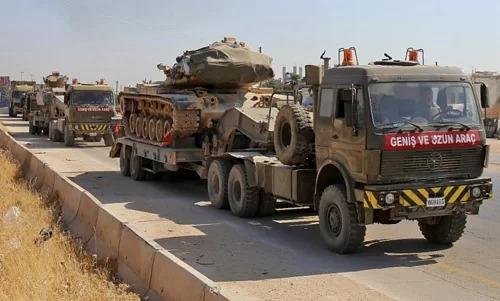 Đoàn xe Thổ Nhĩ Kỳ đi qua tỉnh Idlib hôm 19/8. Ảnh: AFP