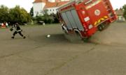 Xe cứu hỏa bị lật khi diễn tập