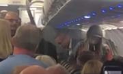 Hành khách bị nghi hút cần sa trên máy bay