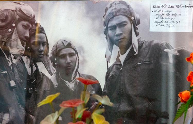 Anh hùng phi công Nguyễn Văn Bảy qua đời