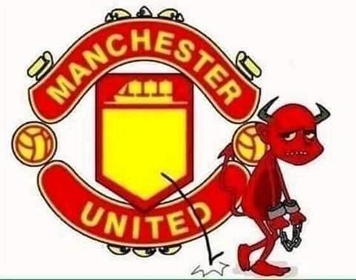 Quỷ trong logo United cũng ngán ngẩm bỏ đi.