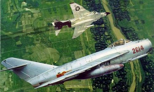 Tranh minh họa một trận đánh giữa MiG-17 và F-4. Ảnh: Pinterest.