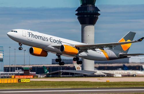 Một máy bay của công ty Thomas Cook. Ảnh: Sun.