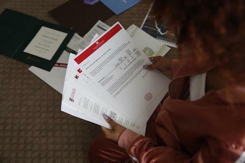 Các tài liệu đi kèm sẽ giúp lá thư của bạn thuyết phục hơn.