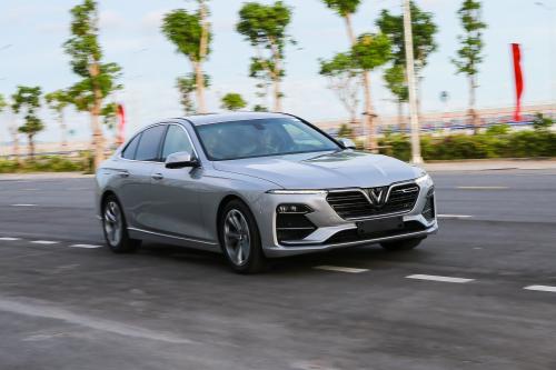Vinfast tổ chức lái thử Lux A2.0 cùng chuyên gia quốc tế