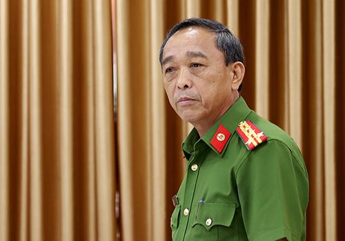 Đại tá Trần Mưu thông tin về việc phá án. Ảnh: Nguyễn Đông.