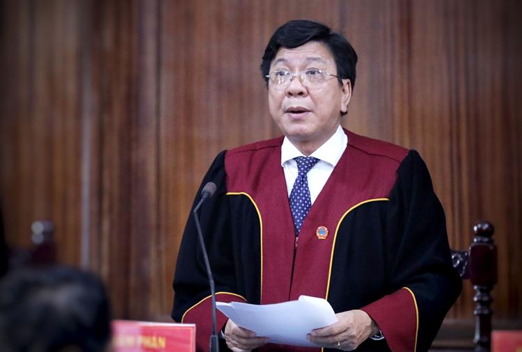 Chủ tọa Phạm Lương Toản. Ảnh: Hữu Khoa.
