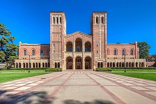 Một góc khuôn viên Đại học California - Los Angeles, trường công lập tốt nhất nước Mỹ. Ảnh: Ella Study