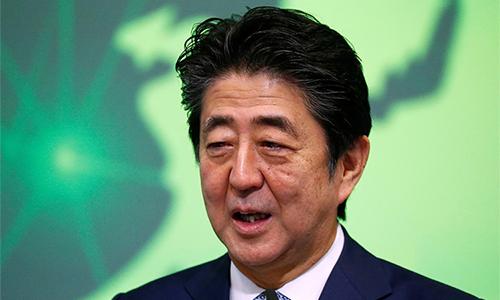Thủ tướng Nhật Bản Shinzo Abe ở Brussels, Bỉ ngày 27/9. Ảnh: Reuters.