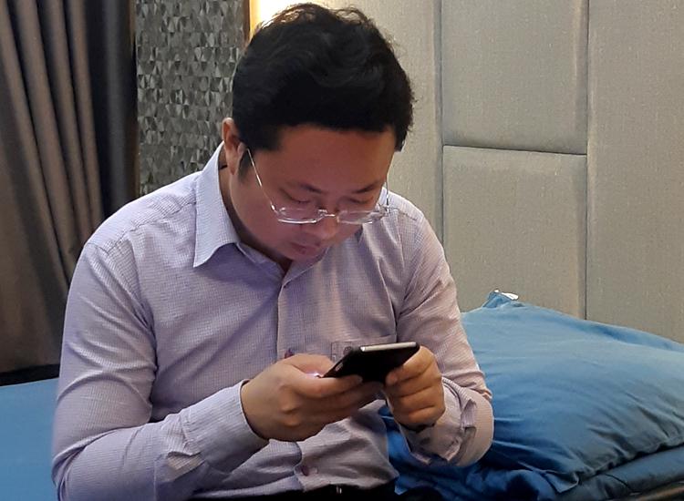 Lâm Hoàng Tùng chiều 1/10 - vài giờ trước khi bị bắt. Ảnh: Uyên Trinh.