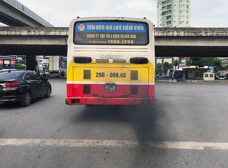 Ônhiễm bụi PM2.5 ở Hà Nội có khoảng 40% nguyên nhân tới từ giao thông. Ảnh: Ngọc Thành.