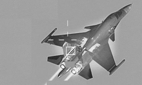 Chiếc Su-34 Nga bị tiêm kích F-16 Bỉ theo dõi hôm 4/10. Ảnh: Không quân Bỉ.