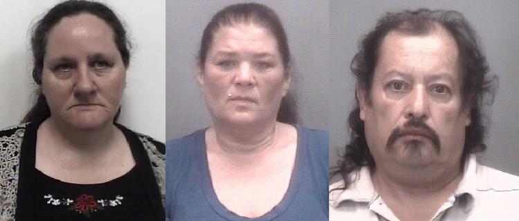Alice Todd (trái) cùng hai vợ chồng Tina Chavis (giữa) và Vicenio Romero. Ảnh: Thomasville Police Dept.