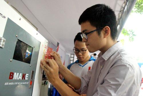 Sinh viên Đại học Bách khoa Hà Nội tham dự cuộc thi học sinh, sinh viên với ý tưởng khởi nghiệp 2019. Ảnh: Nhân vật cung cấp
