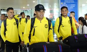 Tuyển Malaysia đến Hà Nội chuẩn bị gặp Việt Nam