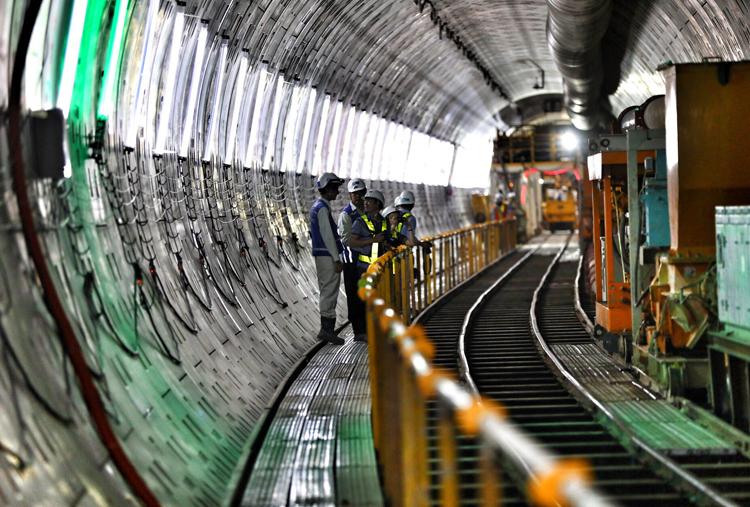 Tuyến Metro Số 1 đã làm được 67%, dự kiến hoàn thành cuối năm 2021. Ảnh: VnExpress.