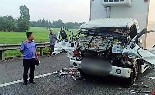 Hiện trường vụ tai nạn khiến hai cha con chết. Ảnh: Bạn đọc cung cấp