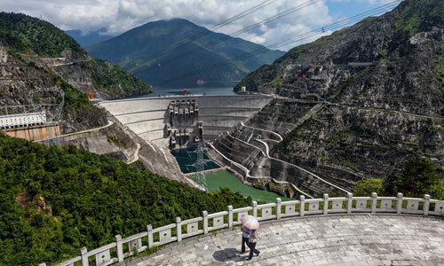 Đập t.iểu Loan ở tỉnh Vân n.am, một trong 8 đ.ập T.Q xây dựng trên sô.ng Mekong. Ảnh: National Geographic.
