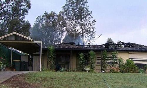 Ngôi nhà sau khi bị ngọn lửa tàn phá. Ảnh: CNN.