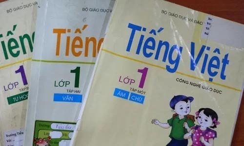 Ba tập sách giáo khoa Tiếng Việt Công nghệ giáo dục lớp 1 đang được sử dụng ở nhiều địa phương. Ảnh: Q.T