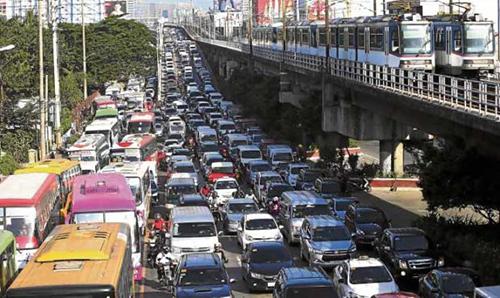 Cảnh tắc đường ở Manila vào giờ cao điểm. Ảnh: Philippine Daily Inquirer