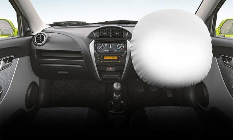 Maruti Suzuki Alto 800 phiên bản thấp cấp chỉ có một túi khí. Ảnh: Maruti