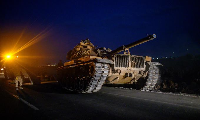 Xe tăng, thiết giáp Thổ Nhĩ Kỳ đưa vào Syria