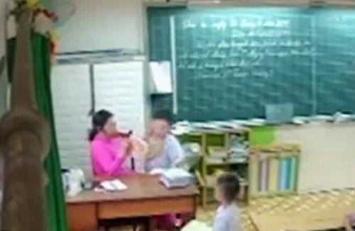 Cô giáo chủ nhiệm lớp 2/11 có hành vi đánh, véo tai học sinh. Ảnh từ video của phụ huynh.