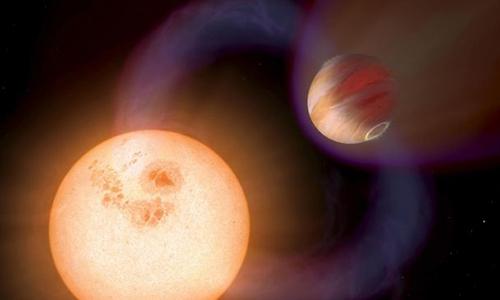 NGTS-10 đang bị hút dần vào ngôi sao chủ. Đồ họa: Space.