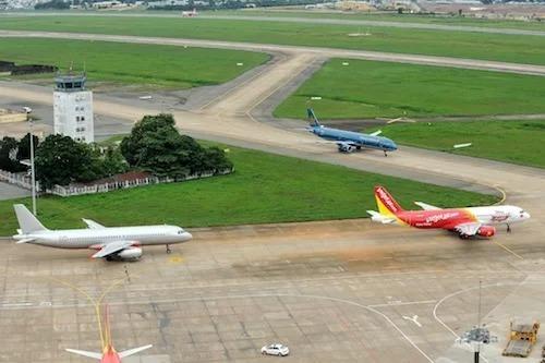 Tân Sơn Nhất có lưu lượng chuyến bay lớn. Ảnh: Ngọc Tân.