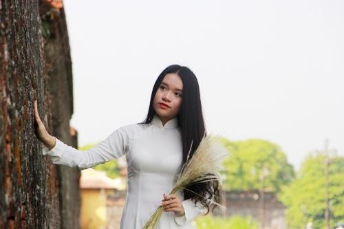 Từ lâu, áo dài đã góp phần tôn vinh vẻ đẹp người phụ nữ. Ảnh: Võ Thạnh