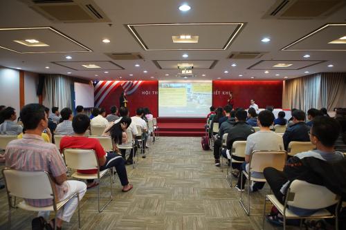 VUS phối hợp cùng đối tác là trường cao đẳng tại Mỹ tổ chức hội thảo về du học dành cho học viên và phụ huynh.