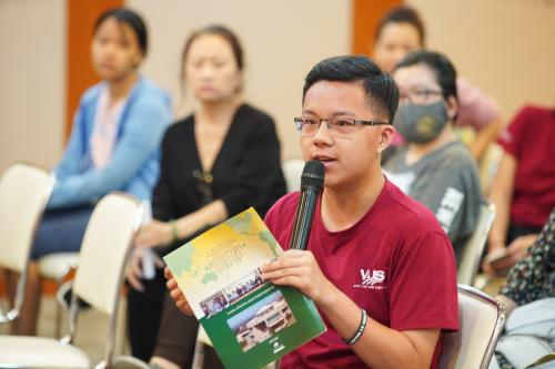 Sự quan tâm của phụ huynh và học viên xoay quanh ngành học, học phí và chi phí sinh hoạt cũng như sự liên thông lên bậc học cao hơn.