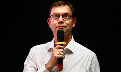 Olivier Chretien, Trưởng phòng Tác động môi trường của Ủy ban Sinh thái Đô Thị thành phố Paris tại toạ đàm ở Hà Nội chiều 12/10. Ảnh: Gia Chính.