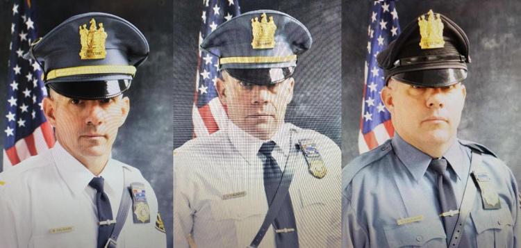 Cảnh sát trưởng Brian Caloiaro (trái) và hai người anh em cùng làm cảnh sát bị cáo buộc đặt ra chỉ tiêu vé phạt trái phép. Ảnh: Trentonian.