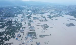Thành phố Nhật Bản bị nhấn chìm sau bão