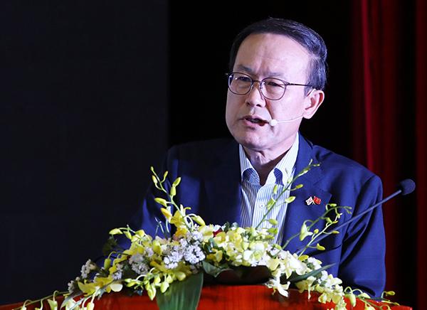 ÔngKyoo Sung Noh.