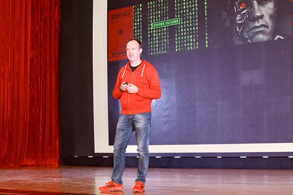 Cha đẻ Angry Birds trên sân khấu Ngày hội AI4VN.