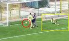 Hậu vá» Äá»t lÆ°á»i nhà khi Än mừng thủ môn cản thành công penalty