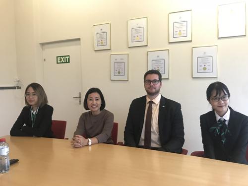 Đại diện công ty Cầu Xanh thăm trường IMI và sinh viên Việt Nam tại Thuỵ Sĩ.