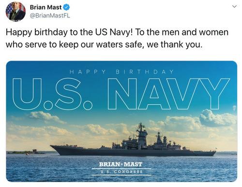 Tàu chiến Nga trong thông điệp chúc mừng của nghị sĩ Mast hôm 13/10. Ảnh chụp màn hình.