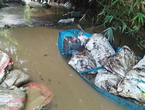 Suối Trâm (xã Phú Minh, huyện Kỳ Sơn, Hòa Bình) ngày 9/10. Ảnh: Người dân cung cấp