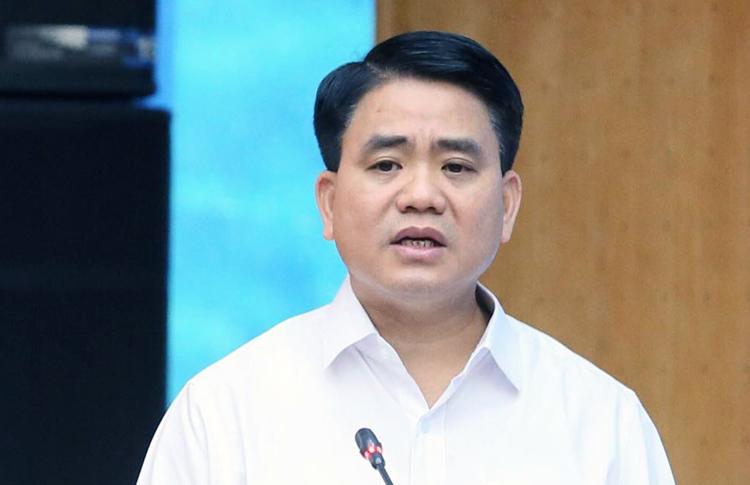 Chủ tịch UBND TP Hà Nội Nguyễn Đức Chung phát biểu tại cuộc tiếp xúc cử tri sáng 15/10. Ảnh: Ngọc Thắng.