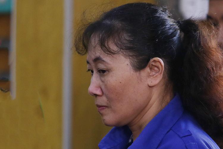 Bị cáo Nguyễn Thị Hồng Nga tại phiên toà. Ảnh: Phạm Dự.