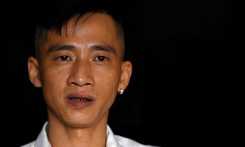 Cường Nguyễn trong buổi phỏng vấn ở một quán cà phê tại Hải Phòng hôm 7/8. Ảnh: AFP.