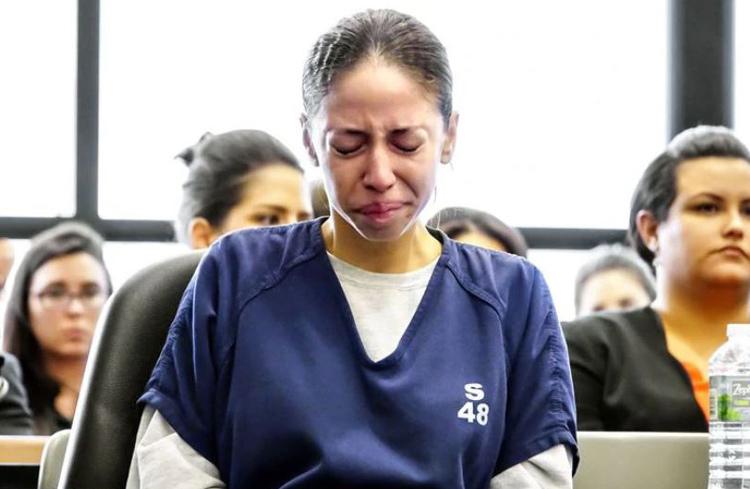 Dalia bật khóc khi nghe tuyên án năm 2017. Ảnh: Lannis Waters/Sun Sentinel.