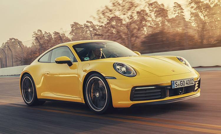 Porsche 911 dùng động cơ boxer 3 lít 6 xi-lanh. Ảnh:Auto Express