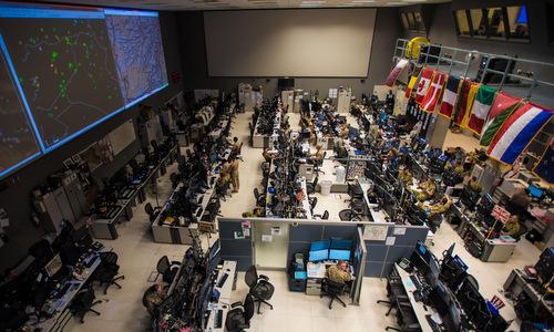Trung tâm điều phối hoạt động của liên quân chống IS tại Qatar. Ảnh: USAF.