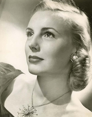 Candy Jones vào thập niên 1940. Ảnh: Yank.